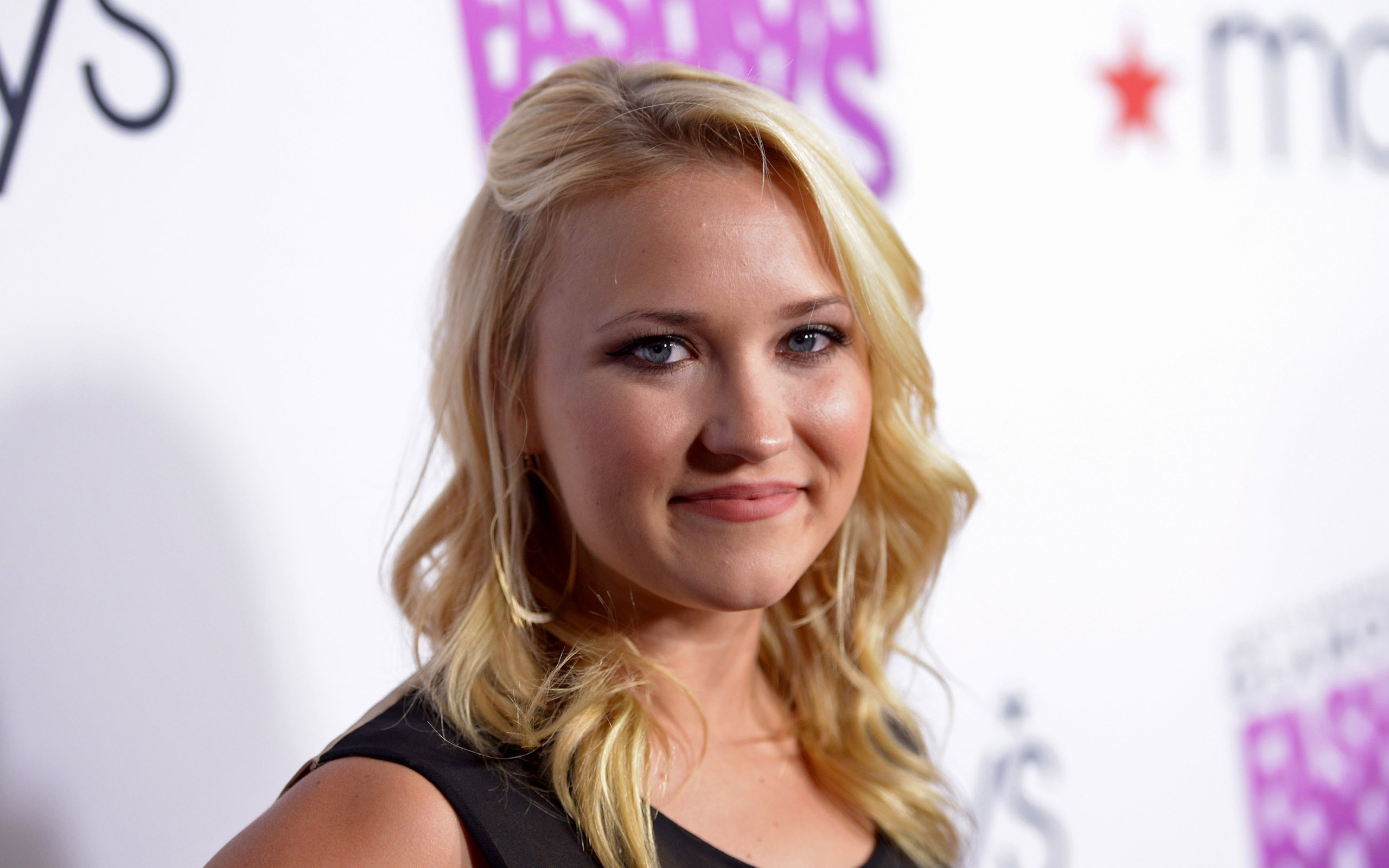 Emily Osment Spaltung foto 4