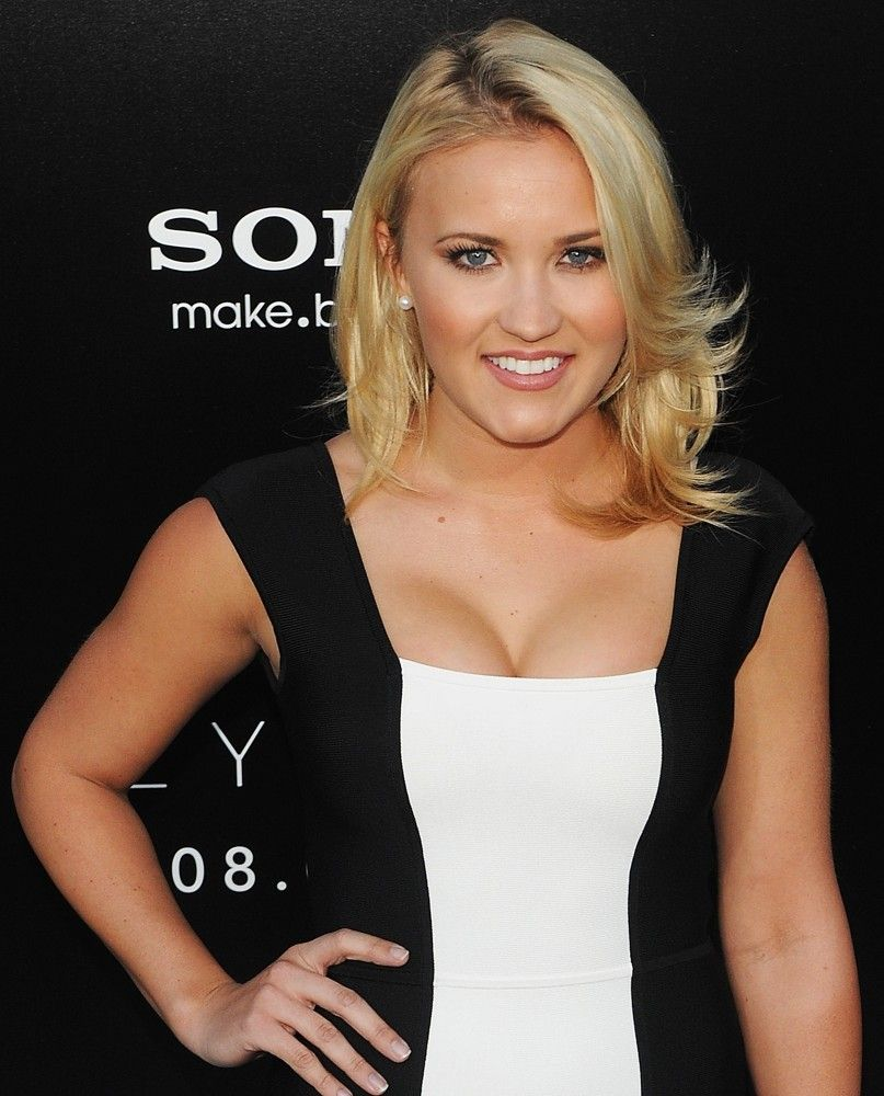 Emily Osment Spaltung foto 2